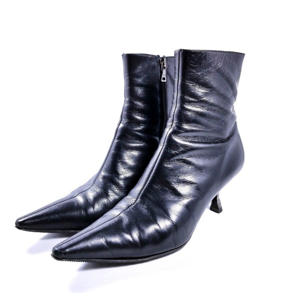 d46ddc1a9301 Prada Leather Ankle Boots Pointed Toe Sz 5.5 Black.  M 5bdbdadf3e0caa7472604d86